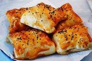 Evlerin sultanı: Tavuklu milföy sarma
