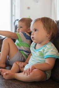 TV izleyen bebekte beyin gelişimi