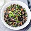Pestolu sebzeli kahverengi pirinç makarnası
