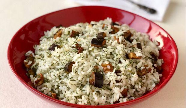 Patlıcanlı dereotlu pirinç pilavı