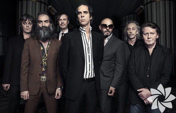 Nick Cave ve grubu The Bad Seeds 10 Temmuz'da Küçük Çiflik Park'ta! Caz müziğinin efsanevi sesi Nick Cave, 14 yıl aradan sonra İstanbul Caz Festivali'nde sevenleriyle buluşacak.