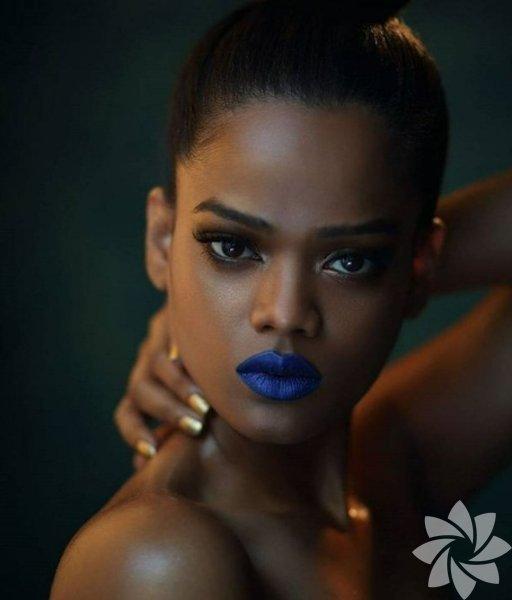 Rihanna'ya benzeyen model: Renee Kujur