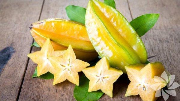 Yıldız meyvesi Yıldız meyvesi, oxalis familyasına aittir. Ülkemizde yıldız meyvesi olarak adlandırılır. Ananas meyvesini andıran bu meyve; Moluccas, Hindistan ve Sri Lanka gibi bölgelerde oldukça yaygındır. Budistler için ayrı bir önemi bulunur.