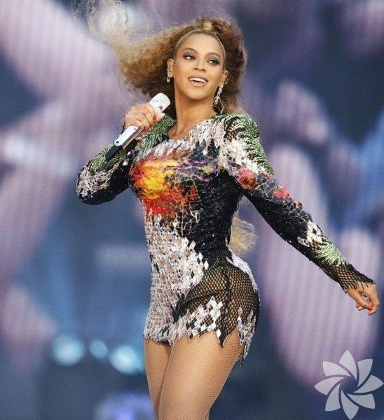 Beyonce'nin dikkat çeken stili