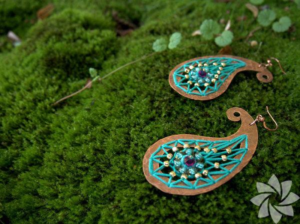 2018 sonbahar sezonunda sıra dışı tasarımlar Takı tasarımcısı Yulia Mor,Saint - Petersburg Rusya'da yaşıyor. Sanatçı, çocukluğundan beri bir şeyler yaratmaya bayılıyor.