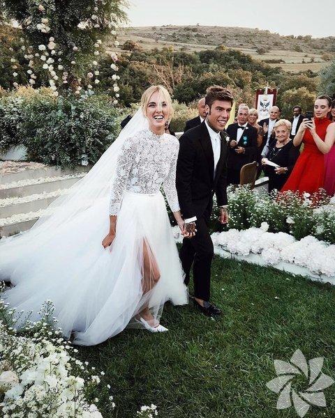 Dünyanın en ünlü İtalyan bloggerı Chiara Ferragni ve nişanlısı Fedez'in merakla beklenen düğünleri önceki gün gerçekleşti.