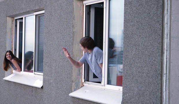 Komşu mu, o da ne?