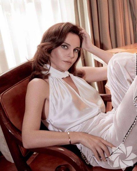Tülin Özen, 24 Aralık 1979'da İskenderun'da doğdu.