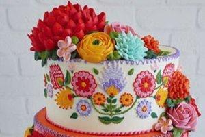 Kanaviçe gibi işlenmiş pastalar