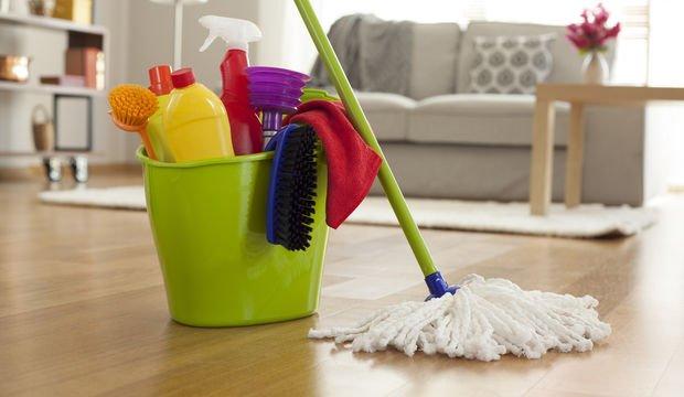 Ev işi yaparken ağrılardan koruyan öneriler