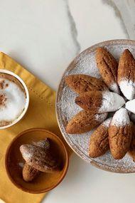 Hurmalı üzümlü mekik kurabiyeler