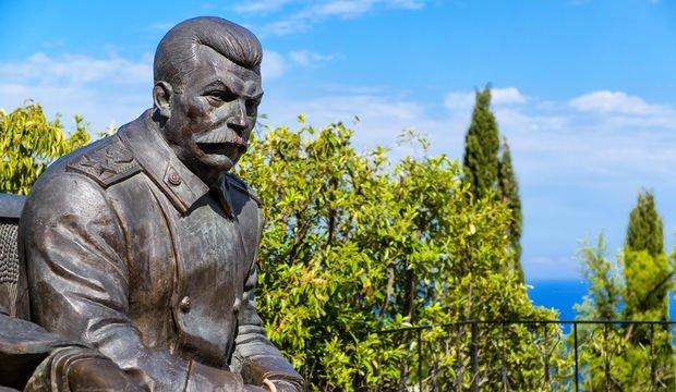 Tarihteki en büyük liderlerden biri mi, acımasız bir katil mi?