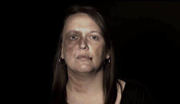 Kadına şiddetin teşhiri