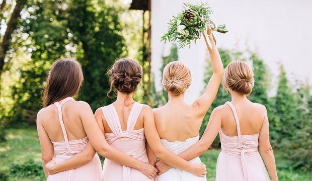74bebbcb5b358 Her düğüne uygun bir elbise mutlaka vardır!