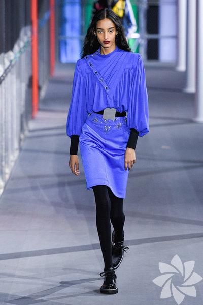 Paris Moda Haftası: Louis Vuitton 2019-20 Sonbahar/Kış