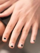 Son manikür trendi: Negative space nail art