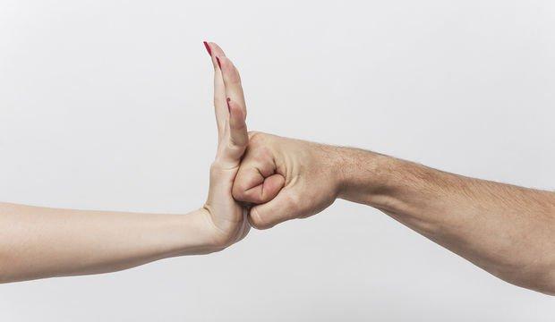 Mecburen süren evlilikler: Her şey tamamen duygusal mı?