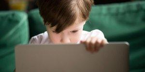 YouTube, çocuk videolarına özen göstermeli, ebeveynlerin endişelerini azaltmalı