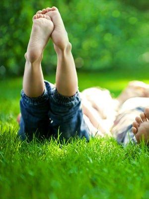Mutluluğun peşinde koştuğumuz için çok mutsuzuz!
