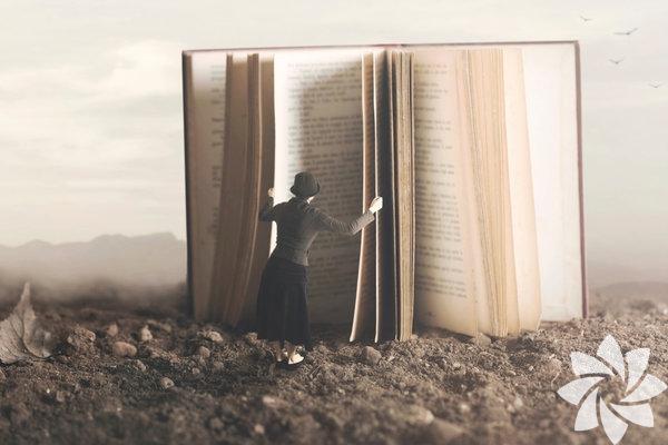 Farklı kurallara sahip başka diyarlara yolculuk etmek bazen meditasyon bazen de yeni bir maceraya en önden bilet demek oluyor. Fantastik kitaplar hemen hemen bağımlılık yaratan bir etkiye de sahip. Bir kere elinizi sürdüyseniz daha fazlasını mutlaka istiyorsunuz. Elinizin altında yeni bir kitap kalmadıysa listemizde bulunan bu kitaplara bir göz atabilirsiniz.