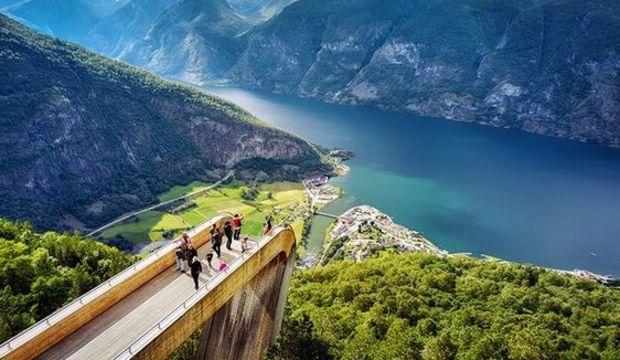 Gençler için keyifli bir tatil rotası: Norveç fiyortları