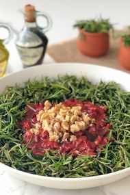 Közlenmiş kapya biberli zahter salatası