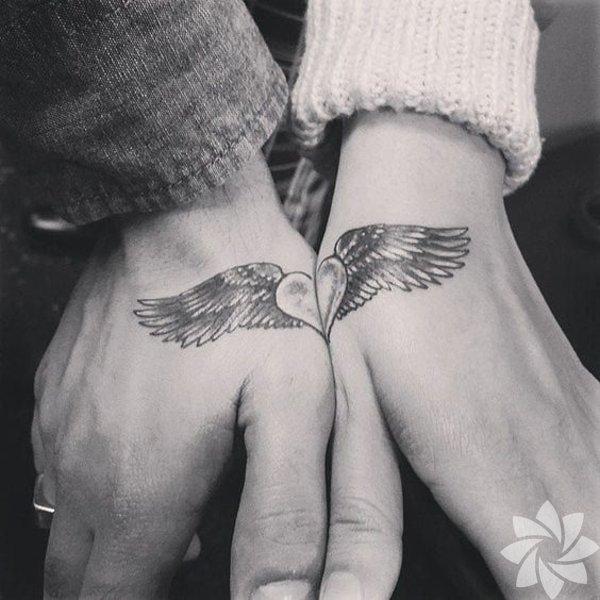 Birbirini tamamlayan dövmeler
