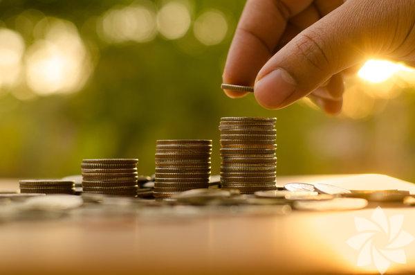 1- Sabit bir gelire sahip olmamak Gezginlerin tecrübelerine göre dünyayı gezmeye başladığınız ilk bir yıl içinde para kazanmayı beklememek gerekli. Bunun sebebi ise yeni bir gezgin olup kendini henüz kanıtlayamamış olmak. Fakat deneyimli gezi bloggerlarının bile sabit bir geliri olduğu söylenemez. Bazen çok fazla para kazandıklarını bazen de ellerinde tek kuruş para kalmadığını söyleyen gezginler, para biriktirmenin ve harcamaları planlamanın önemli olduğunu söylüyor.