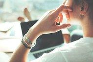 Ofiste uygulayabileceğiniz 5 yoga hareketi