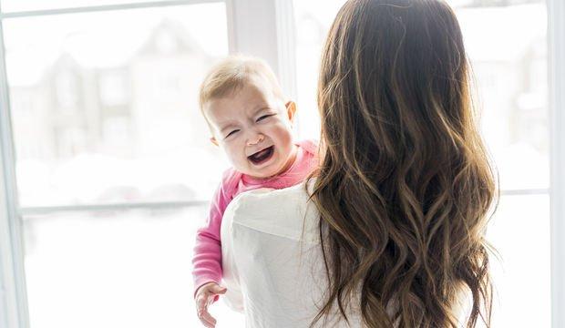 Bebeğim yabancılara ağlıyor