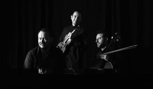 Trio Hexis Süreyya Operası'nda
