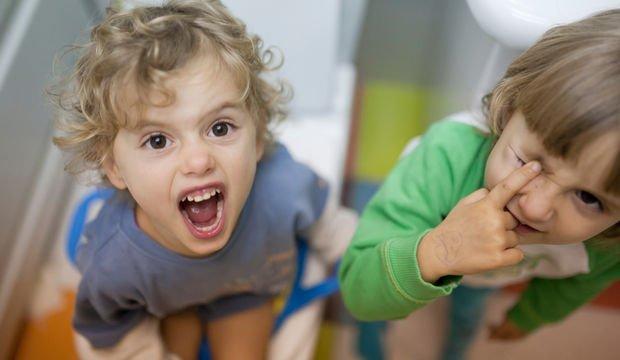 İkizlere tuvalet eğitimi nasıl verilir?