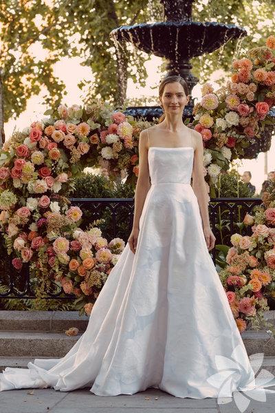 Lela Rose 2020-21 Sonbahar/Kış gelinlik koleksiyonu