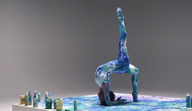 Yoga ve enstalasyon