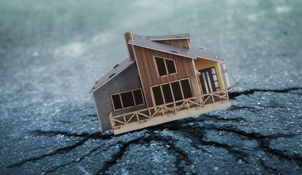 Deprem bir ev
