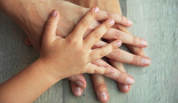 Çocuklar zorbalığı 'anne babailişkisi'nden nasıl öğrenir?