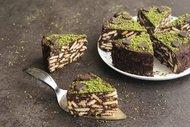 Kestaneli antep fıstıklı mozaik pasta