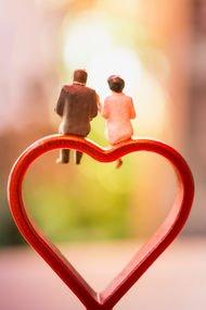 Evlilik hesap işi değil, sevgi yoludur