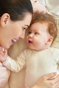 Bebeğinizle bağ kurmak için onunla oyun oynayın