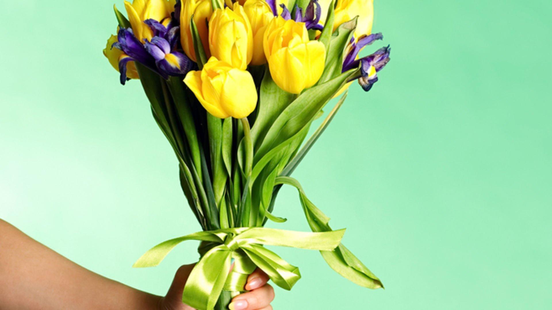 Sevgilime blöf olsun diye kendime çiçek gönderdim